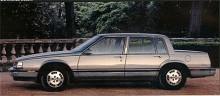 Med kompakta mått, tvärställd V6:a och framhjulsdrift var Electra av 1985 års modell radikalt annorlunda än sina föregångare. Toppmodellen Electra Park Avenue hade rikligare kromutsmyckning och alla options. Köregenskaperna var europeiska men interiörerna fortfarande amerikanskt pösiga.