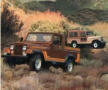 Även den från början endast för export avsedda CJ-8 fanns som Renegade. När den började säljas i USA hette den inte CJ-8 utan Scrambler.