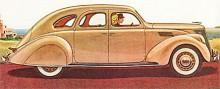 Lincoln-Zephyr 1936 var den första amerikanska bilen med självbärande kaross och den första Lincoln i mellanprisklassen, märket hade dittills legat i det högsta prestigesegmentet. Modern strömlinjeform men mekaniska bromsar på Fords manér. Motorn var en V12:a konstruerad på samma sätt som Fords redan klassiska V8.