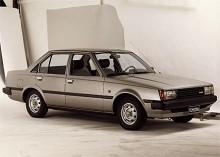 Tredje generationen Carina var fortfarande bakhjulsdriven och tillverkades 1981-88.