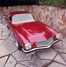 1974 fick Camaro en helt ny front.