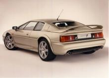 1996 lanserades Esprit V8 med en egenutvecklad motor med dubbla turboaggregat och 350 hk. Samtidigt fanns också GT3 med tvåliters turbomotor.
