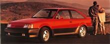 Mercury Lynx fanns också i sportmodellen XR3. Nu är det 1986 och då gäller spoilers och mattsvart. Lynx ersattes 1990 av Tracer som liksom den nya amerikanska Escort baserades på Mazdas 323-plattform.