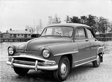 Bästsäljaren var Elysée som från 1956 hade 48 hk och återigen ny grill och också mer utdragna bakflyglar. Sportmodellen Montlhéry hade höjd kompression för ytterligare nio hästkrafter och kunde enkelt identifieras på heltäckande hjulkapslar.