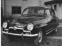 En Aronde med den något snörpiga grillen den hade i sitt första utförande 1951 -1953.
