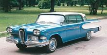 Med det nya märket Edsel skulle Ford Motor Company 1958 öka sitt utbud i det lukrativa mellanprissegmentet där man dittills enbart haft Mercury. Det gick inte så bra, Edsel lades ner redan i början av sitt tredje modellår vilket var 1960. På bilden en Corsair av Edsels första årsmodell 1958. Med grundkaross delad med Mercury var Corsair nummer två på rangskalan efter Citation. De mindre Ranger och Pacer delade kaross med Ford.