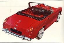Produktutvecklarna jobbade på. Midget Mark II (1964-1966) fick vevfönster och ny hjulpphängning bak som gjorde bilen stabilare men enligt många mindre rolig att köra. Motorn förstorades redan på sena Mark I från 948 till 1098 cc och under huven på Mark III ( 1966-1974)  var BMC A-motorn på 1275cc.