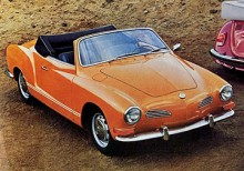 1973 hade Karmann-Ghia fått kraftigare stötfångare med gummihorn. Annars ingen yttre skillnad, och så hade det hållit på sedan 1955, ofta endast smärre detaljförändringar.