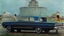 """Monterey 1964. Här syns klart och tydligt var engelska Ford hämtade inspiration till taklinjen för sin Anglia, den som i folkmun kallades """"bärplockaren""""."""