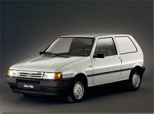 Ett lastnät och igenlagda bakrutor räckte för att skapa Uno Van. Såldes aldrig i Sverige.