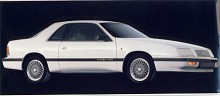 V8 Power from four cylinders hade enligt Chrysler den generation av LeBaron som fanns 1987-1993. Formgivningen var mer lyckad och kvaliteten hade också tagit sig.