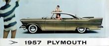 Större, alltså såväl längre, lägre och bredare var 1957 års Belvedere. En rasande snygg kärra med något som skulle se ut som dubbla strålkastare fram, vilket inte blev tillåtet förrän året därpå i USA, och skapligt höga fenor där bak.