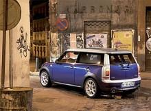 Det är kul att det fortfarande byggs galna bilar - och att folk köper dem! Dagens Mini Clubman är en liten, liten bil med en väldans massa konstiga dörrar.