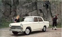 Som 1962 års modell kom slutligen Oxford series VI. Fenorna hade tonats ner och fronten snyggats till. Även den breddade spårvidden bidrog till ett bättre utseende och likheten med är stor med Peugeot 404 som också formgivits av Farina. Oxford series VI hade BMC B-motorn på 1622cc. Tillsammans med systermodellen Wolseley 16/60 var Oxford den BMC Farina som tillverkades längst, ända till våren 1971.