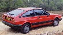 Alfa Romeo har använt tillnamnet Sprint på flera modeller, från 1950-talet och framåt. Giulietta Sprint och Giulia Sprint var vackra coupéer och i september 1976 visades ytterligare en sportbil av det mindre slaget med namnet Sprint, Alfasud Sprint. Precis som sedanversion som lanserats 1971 hade den boxermotor, framhjulsdrift och fenomenalt roliga köregenskaper. Den ärtiga karossen var signerad Giorgietto Giugiaro och all mekanik var hämtad från vanliga Alfasud. Senare kom modellen att heta bara Sprint och den fick leva ända till slutet på 1980-talet.