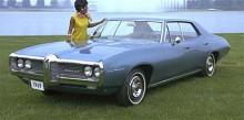 Pontiac LeMans förknippas av de flesta som känner modellen som en muskelbil i tvådörrars hardtop-utförande, men såldes även som fyradörrars familjesedan likt denna blå från 1969.