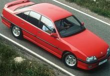 Med Omega 3000 gjorde Opel ett inbrytningsförsök inom det lägre lyxbilssegmentet. En snabb autobahnracer som med sin raka sexcylindriga motor med 24 ventiler presterades som bäst 240 hk. Värst var Lotus Omega som fanns mellan 1991-92 med samma motor borrad till 3,6 liter och 377 hk.