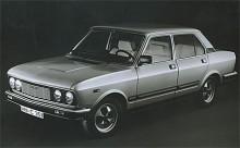 Fiat 132 uppdaterades flera gånger under sin livstid. Redan 1974 fick den större sidoruter vilket sänkte midjelinjen och gav ett smäckrare utseende. 1977 fick den ny front och nya stötfångare kompletterade med kraftigare sidolister.