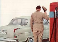 Formen var i takt med tiden och det tekniska innehållet var det heller inget fel på. Men vad hjälpte det? Både Kaiser och Borgward var snart ute ur leken. Vi lyfter hatten och beklagar det inträffade.
