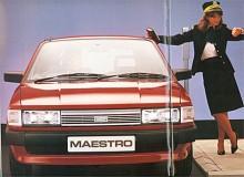 Reklambildens budskap är subtilt - lapplisan väntar inte på att P-mätaren skall slå över på rött utan på att hennes pass skall sluta så hon kan få åka Maestro. Den manlige ägaren sitter i bilen och väntar.