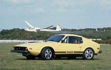 Sonett III kom som årsmodell 1970. Föregångaren hade formgivits av Björn Karlström med assistans av Gunnar A Sjögren när själva huvarrangemnaget skulle slöjdas till i och med motorbytet. När Sonetten skulle moderniseras gick uppdraget till italienska Sergio Coggiola med en tydlig order om att mittenpartiet av bilen skulle hållas intakt. Flipfronten ersattes av en adventkalenderlucka och det blev utfällbara grodögon. Visst använde Saab de italienska skisserna, men återigen fick Gunnar A Sjögren, GaS, rycka in och sätta den slutliga snitsen på bland annat bakpartiet. 1974 blev sista året efter att totalt 10 219 exemplar tillverkats.