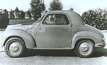 1949 genomgick 500 Topolino en genomgripande förändring där nosen blev lite mer i takt med tiden. Riktig motorhuv.