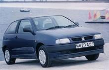 Generation 2 innebar ett mer satt utseende med små hjul längst ner mot marken. Bullig, trind eller knubbig, välj själv. Ibiza hade vuxit till sig, som denna bil från 1994.