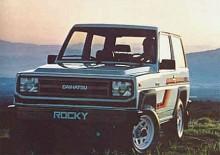 Tuff bil i stämningsfull solnedgång. Så presenterades Daihatsu Rocky 1985.