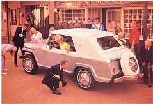 Jeepster Convertible var den mest påkostade med utvändigt reservhjul, tvåfärgslack och mycket krom. Elhydraulisk sufflett var tillval.