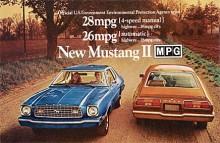 1975 är det oljekris och downsizing. Mustang II säljs på bränsleekonomi och inte fartresurser. 28 mpg är 0,84 liter/mil.