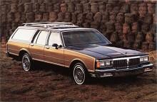 Pontiac i USA lade 1982 ned sin full-size modell Bonneville och flyttade över dess namn till den intermediate som förut hetat LeMans. För att kunna tillfredsställa de kunder som ännu ville ha de riktigt stora bilarna började man 1983 också i USA sälja kanadensiskt byggda Parisienne, på bilden en 85:a.