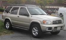En Nissan Pathfinder 2003 som såldes i USA i konkurrens med bland andra Toyota 4Runner.