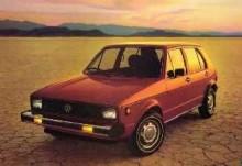 Ingen ökenvagn. Volkswagen Rabbit var precis vad jänklarna ville ha, en bil som gav många miles per gallon närsoppakrisen var ett faktum. Fyrkantiga strålkastare ger ett smula märkligt intryck i våra europeiska ögon.