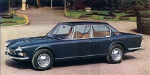 Första fyrdörrars-Maseratin med namnet Quattroporte ritades av Frua och lanserades 1963. Internkoden var Tipo 103 och motorn en 4,1-liters V8 på 256 SAE-hästar. 1968 fick fronten dubbla strålkastare och motorn förstorades till 4,7 liter och gav nu nästan 300 hk SAE. Quattroporte passade utmärkt på den nya, glestrafikerade motorvägarna som löpte genom Europa och drygt 700 exemplar byggdes av denna första generation fram till 1969.
