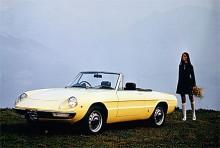 Nästa generation Spider från Alfa kallades först Duetto, men snart blev det Spider.