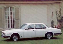 Liksom Serie III. Detta blev den sista Daimler Sovereign.