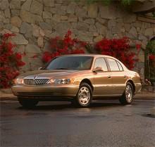 Den nionde och sista generationen Lincoln Continental kom 1998. Efter att försäljningen gått trögt 2002 så lades modellen slutligen ner.