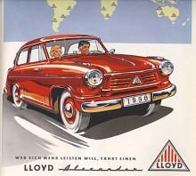 Den som vill kosta på sig åker Lloyd Alexander står det i reklamtexten. I jämförelse med en vanlig 600 unnade man sig vev- och ventilationsrutor i dörrarna, koffertlucka och flera blanklister.