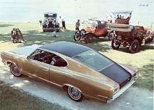 Ambassadors längre hjulbas klär fastbackformen bättre. Trots det blev det av 67:orna bara 2 545 stycken.