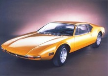 En De Tomaso Pantera från 1971. Här syns vilken elegant design som modellen hade från början. Byggkvalitén var dock mycket dålig, det sägs att Elvis Presley sköt mot sin Pantera i frustration över att den inte startade.