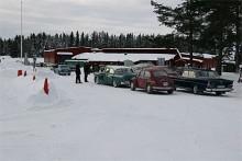 64 anmälda ekipage deltog i årets Tjälasväng. Ett arrangemang som Jämtlands veteranbilsklubb genomför varje år med bravur.