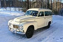 Kalldragets vinnarekipage blev Maria Olsson i sin Volvo Duett med duktig markfrigång. Tummen upp helt enkelt!