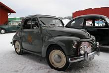"""Johan Brusewitz Strängnäs tog lätt hem priset """"Kört längst"""" 58 mil enkel resa i en Fiat 500 1950 är en bedrift med tanke på årets vinterklimat."""