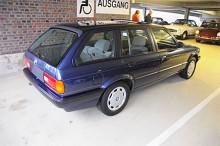 Även Touringmodellen av BMW 3-serie E30 hör till favoriterna. En 320i som bara gått 6900 mil för 5500 euro känns faktiskt prisvärt.