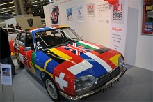 Den flaggmålade GS:en erinrade om annonsbilen när GS blev årets bil.