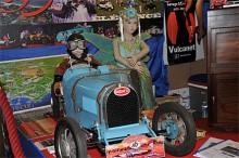 Bugatti i rätt skala för prinsessrallyt.