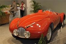 Förförande vacker, kopia av en åtta Simca-Gordini som ställde upp i 1939 års lopp i LeMans.