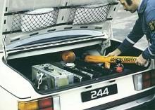 Tänk så mycket man kan lasta i en 240! Fiffiga påsar på bagageluckan!