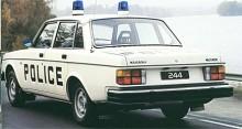 Hmm. Allt ser mycket svenskt ut i den här bilden, förutom att bilen är helvit och texten på engelska. Antagligen en bil uppmålad speciellt för 1979 års broschyr och tänkta internationella kunder.
