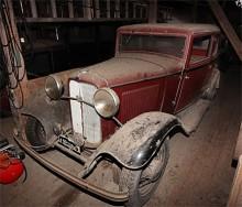 Ford 1932 i sportigt tvåfärgsutförande.